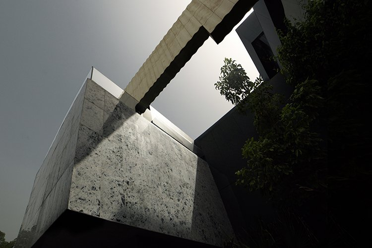 massimiliano-camoletto-architects-desert-rose-2.jpg